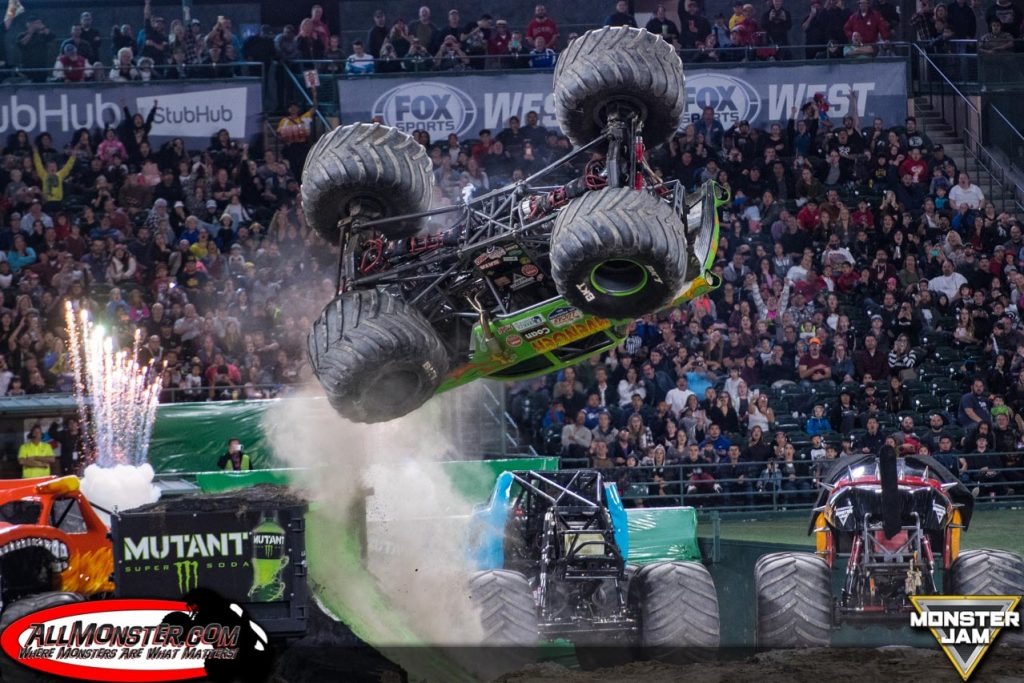 Avenger - Team Scream Racing - Anaheim 1 Monster Jam 2018